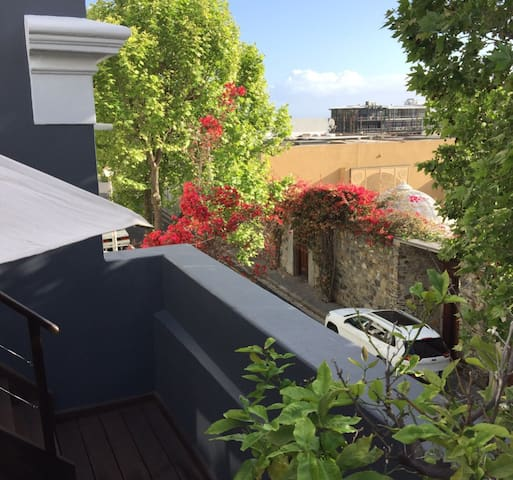Loader Street is the most private and exclusive street in De Waterkant. Sensational views of Table Mountain and The Atlantic from the rooftop Jacuzzi.