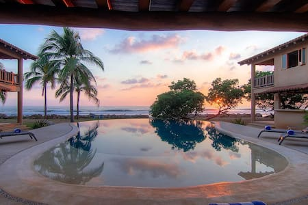 Beautiful New Beachfront Villa - Troncones