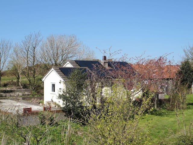 Penrhos Lodge - HW7648 (HW7648)