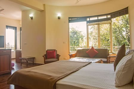 SOJOURN SUITE FOR FAMILY OF 4 - Dharamshala - Bed & Breakfast