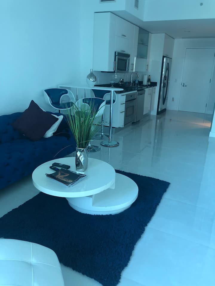 BEAUTIFUL loft in the middle of downtown Brickell
