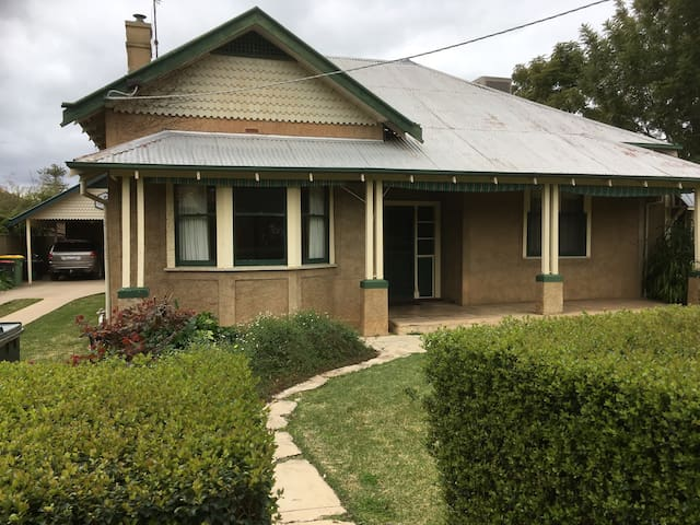 Heritage house in the heart of town - Echuca