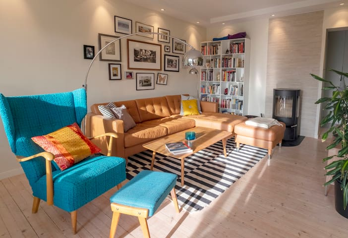 Lovely classical upgraded flat for rent!  NOV 2019
