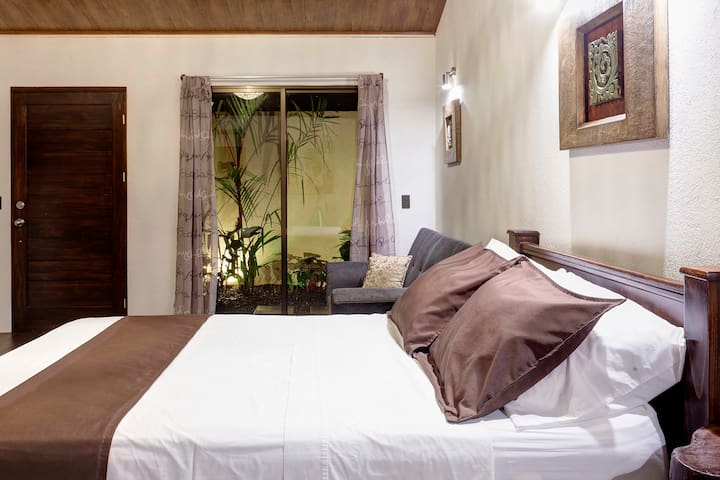Tropical Villa con Jacuzzi