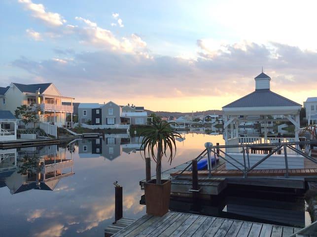 THESEN ISLAND Long weekend 13-17Apr - Knysna - Hus