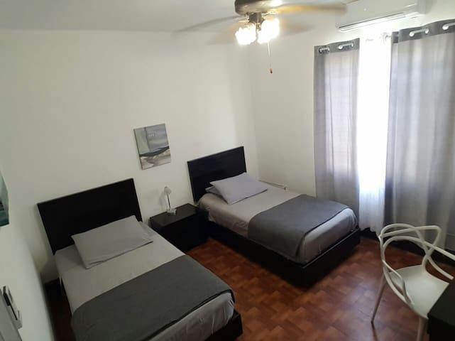 Alojamiento centrico con entrada independiente