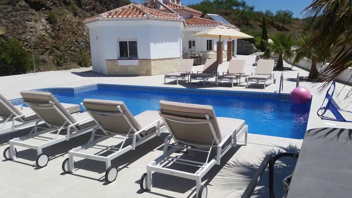 Casa Pura Vista, Arenas, with jacuzzi and pool