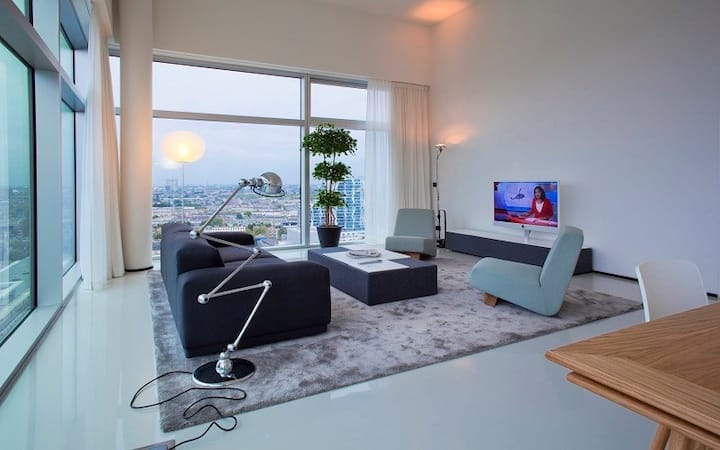 Discover our Large Penthouse in the heart of Rotterdam!