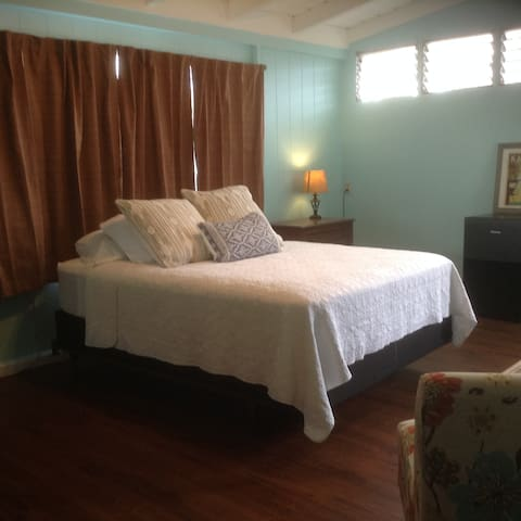 Large Private Kailua Room