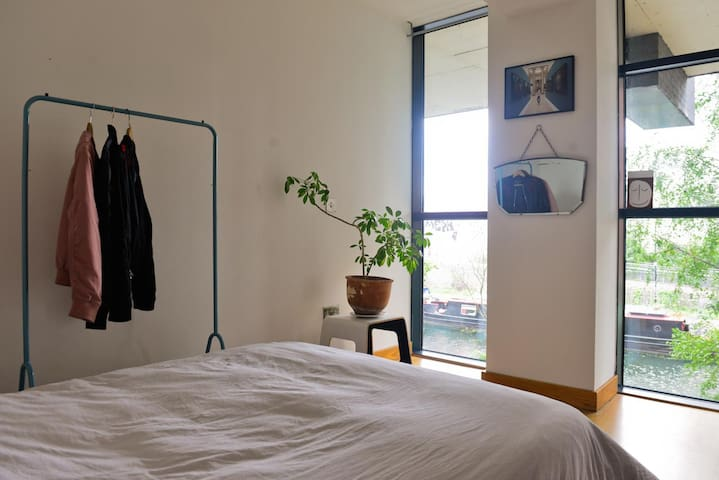 Double bedroom en-suite with canal view