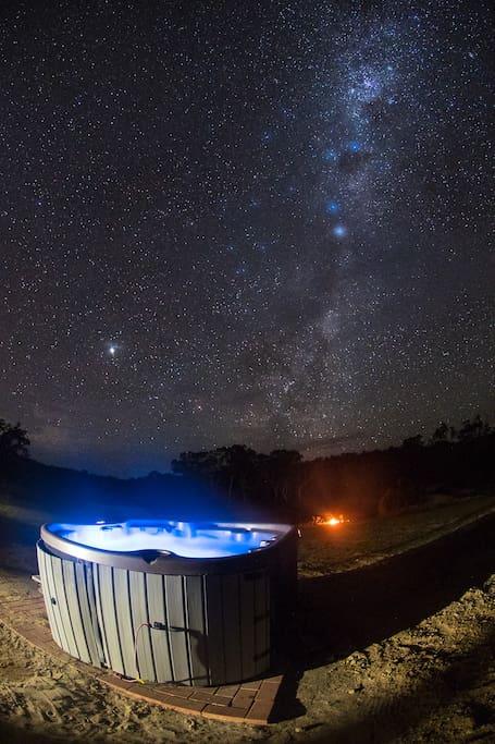 Spa / Jacuzzi under stars