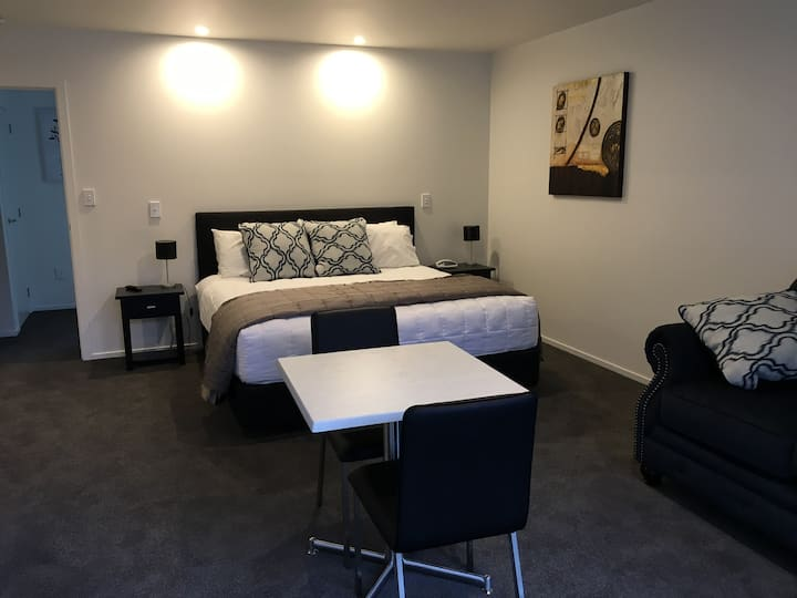 Dewinn Accommodation Unit 1 Modern Decor