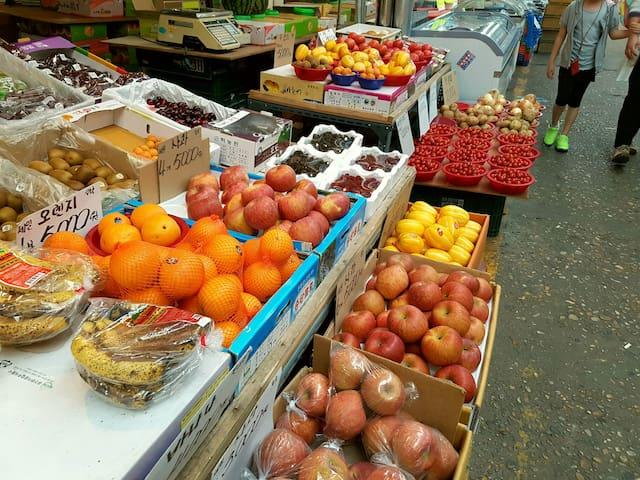 Fresh fruits ~^^