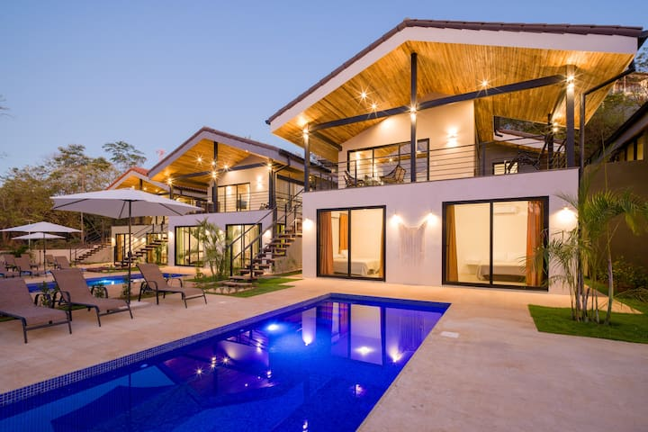 Casa Benedik  Luxury Villa in playa tamarindo