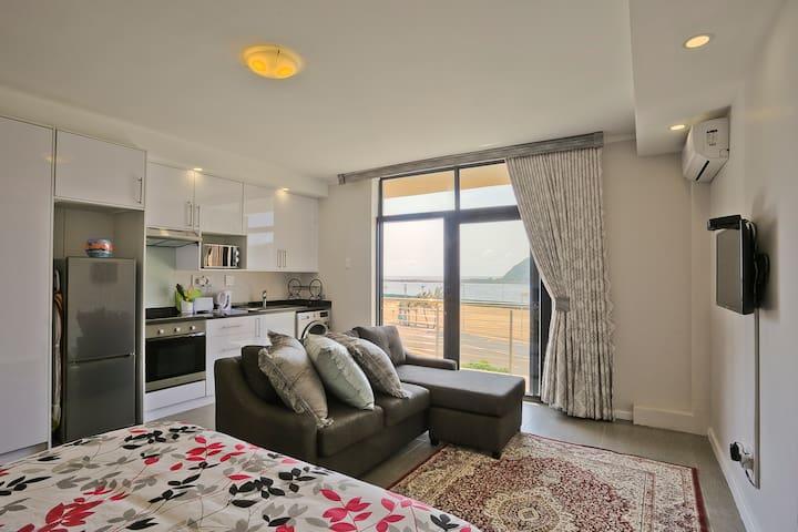 Durban Point Waterfront, Cosy Harbor View Studio