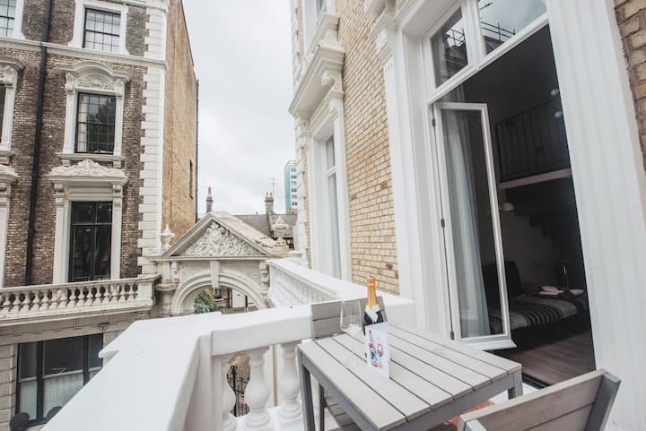 Beautiful Mezzanine with private balcony