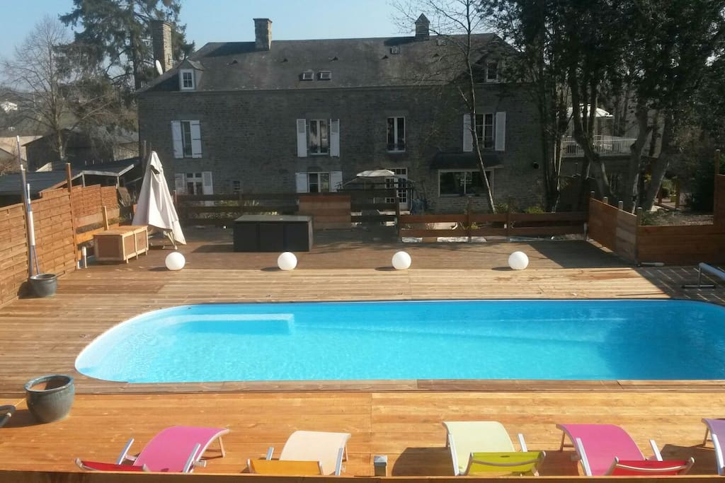 studio avec acc s piscine jacuzzi houses for rent in