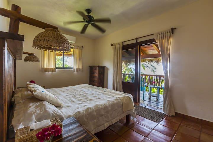 Casa Manzanillo, Ocean Suite