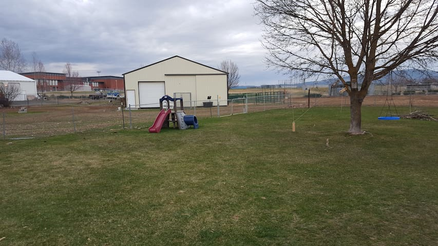 Space to relax, yet close to fun - Spokane Valley - Rumah