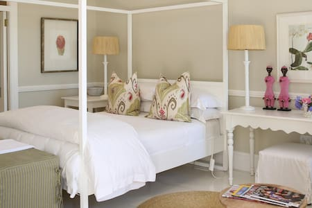 Camellia - Luxury Room within Guesthouse - Pietermaritzburg - Guesthouse