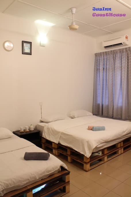 5Pax JusInn Concept Room with 01 King and 01 Single Bed