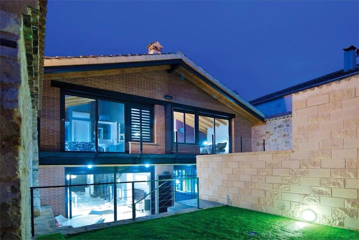 House with 4 bedrooms in Prádena, with furnished terrace