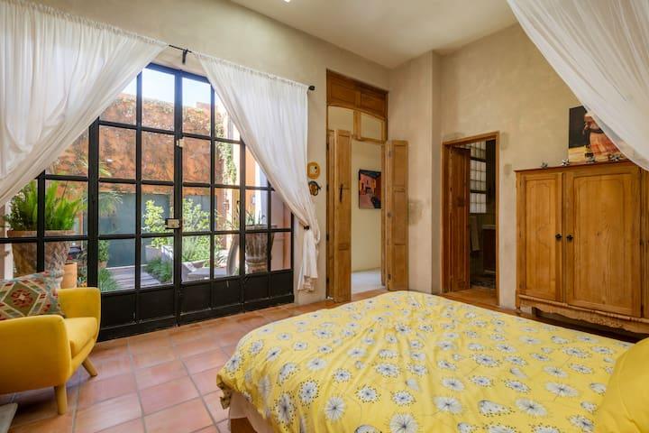 main bedroom with en suite bathroom - ground floor - no steps