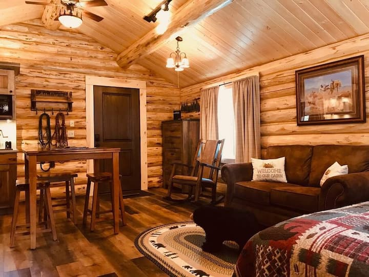 The Cabins at Browns Meadow - Bear