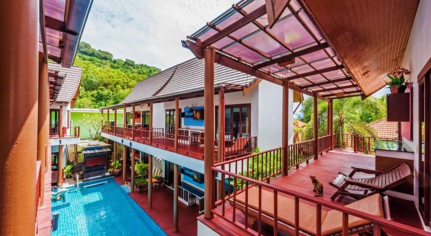 A cozy house kata beach