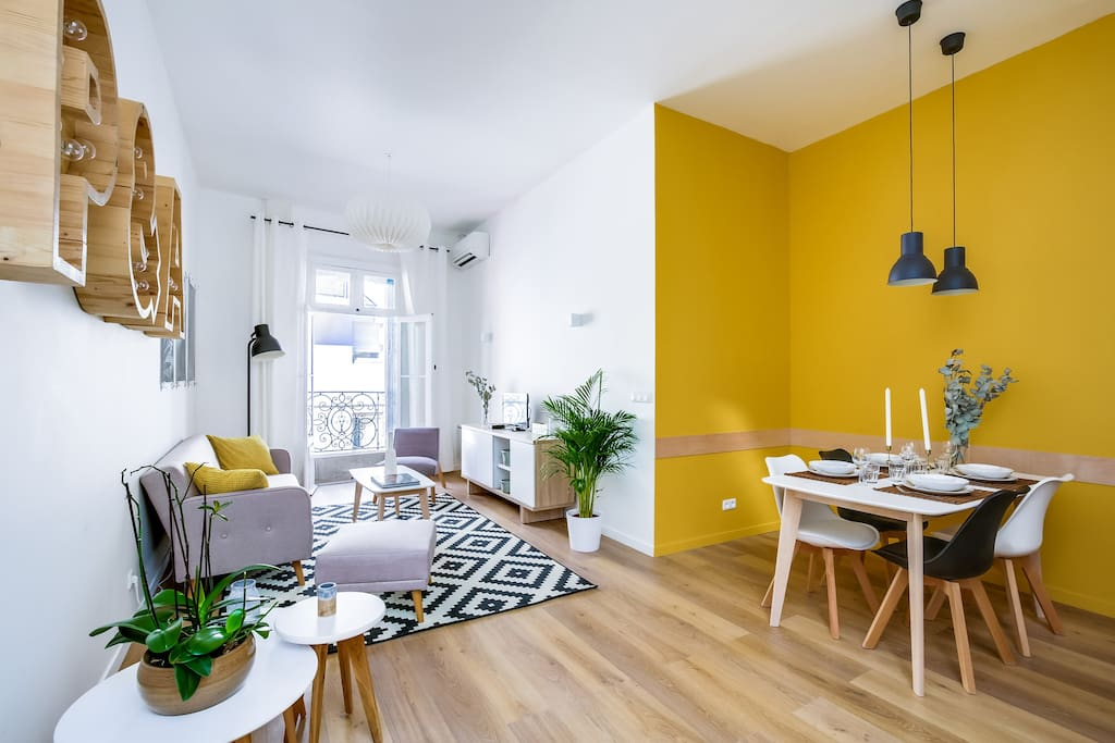 glassroof duplex 80sqm city center with carpark apartments for rent in montpellier. Black Bedroom Furniture Sets. Home Design Ideas