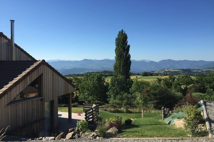 Location chalet bois 14 couchages, vue 180° - La Roche-des-Arnauds