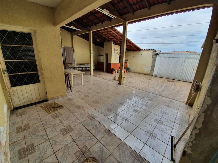 casa inteira a  30 km do centro de brasilia