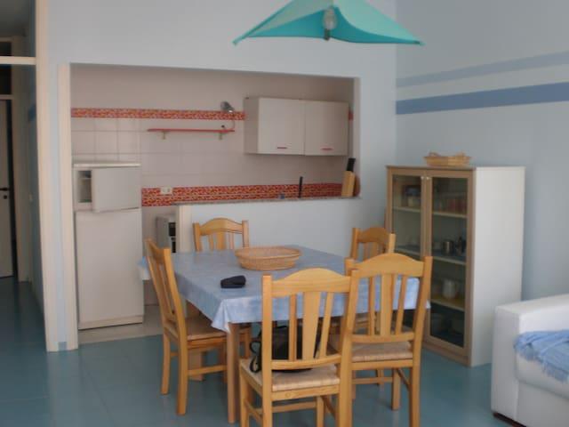 apartment near eucalyptus forest - Foce Varano - Lejlighed