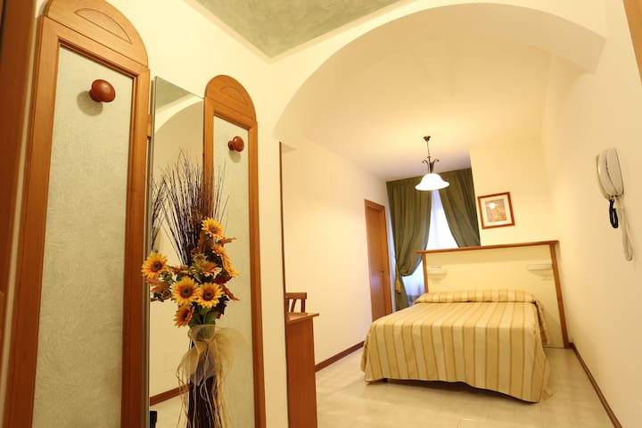 Hotel Vignola Assisi - matrimoniale uso singola