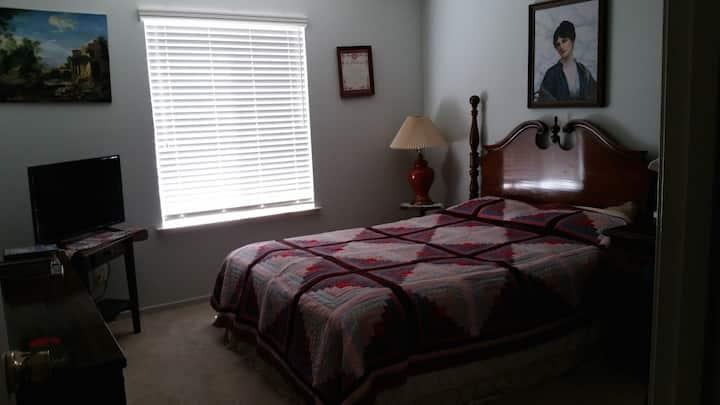 Yosemite/Bass Lake Get away, Clean & Comfort room