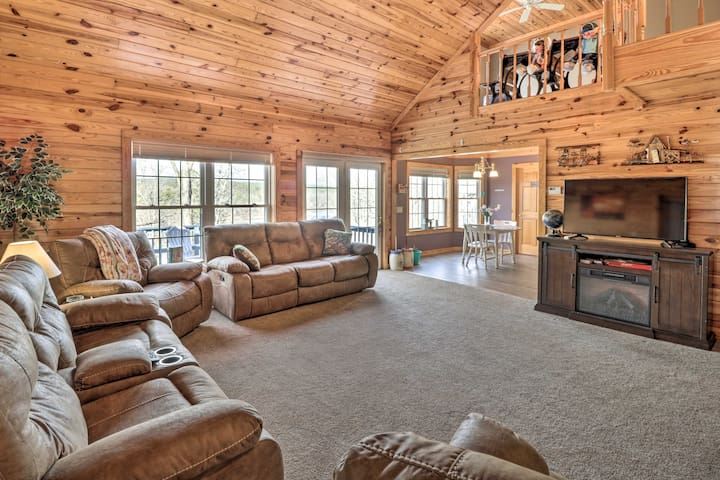 Lakefront Hot Springs Retreat w/ Deck & Boat Dock!