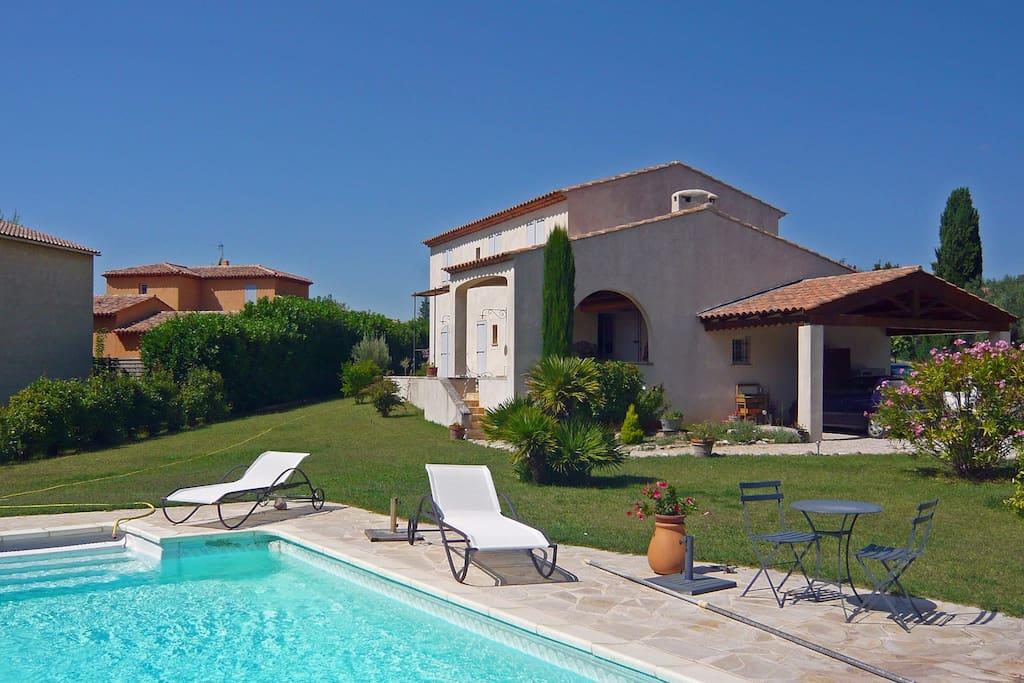 Maison de caract re 5km d 39 aix houses for rent in aix for Maison des agriculteurs aix en provence