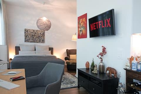Luxury Condo + Netflix! 4Min Rhein, Fair, Novartis