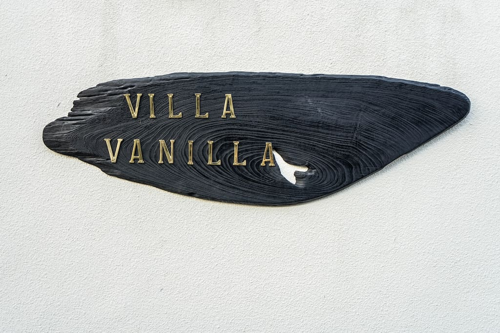 Villa Vanilla: Welcome to the Brand Inspiration house, which gave birth to our latest project, Vanilla. Vanilla was born and  bred in Bali, with the concept of rebirth translated into recycling, 100% sustainable Denim from all over the world. Come share our world of rediscovery.