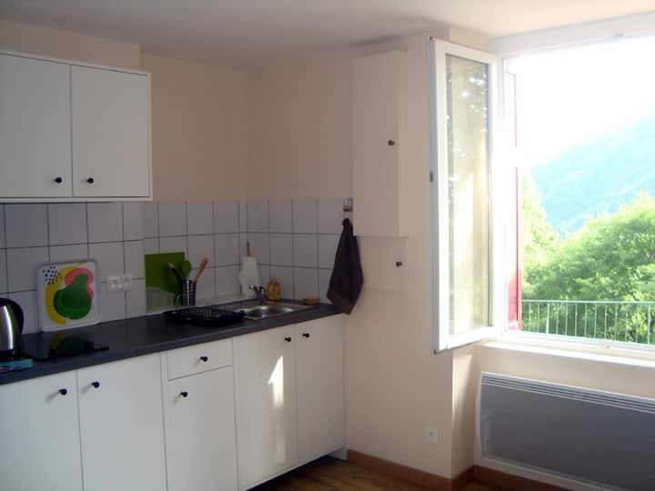 Studio indépendant dans maison à Rochetaillée