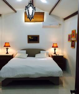 Salinas, Suite de 3 dormitorios - Salinas - Apartment