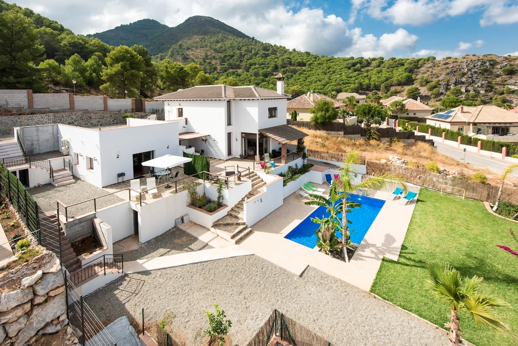 Fabulous new villa with everything you will need for a great holiday.