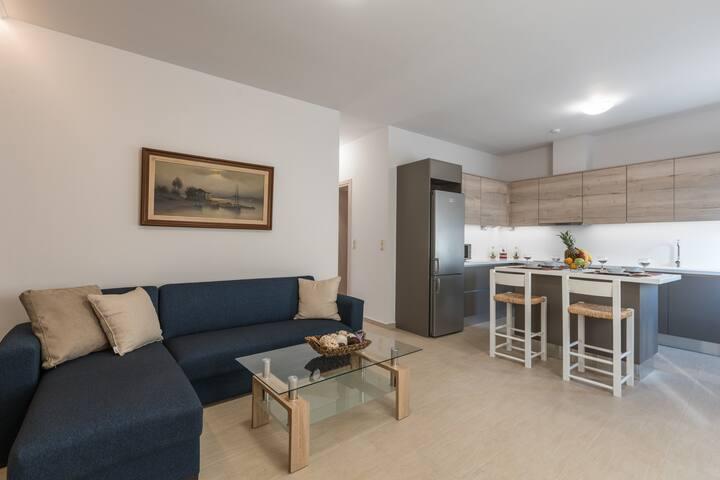 Kastelli Luxurious 2 Bedroom Apartment