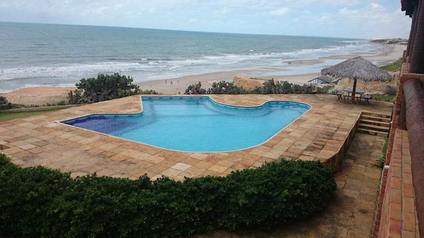 Casa na Paradisíaca Praia das Fontes - Beberibe - Ev