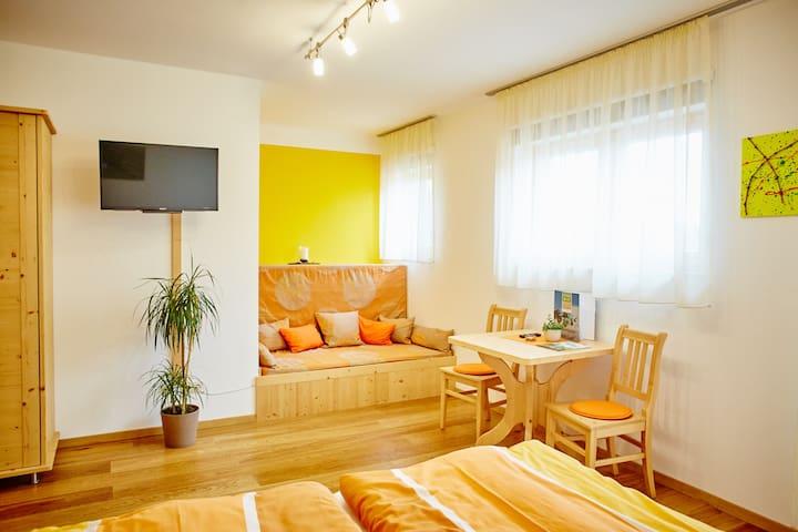 Schmankerl und Gast Heiderer (Rohrendorf bei Krems), Doppelzimmer Gebling mit Relaxecke