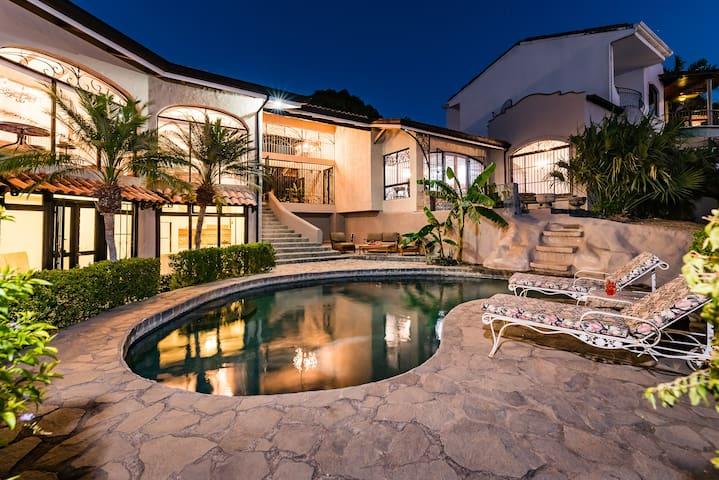 TAMARINDO PuraVida Luxury Home Pool Walk to Beach