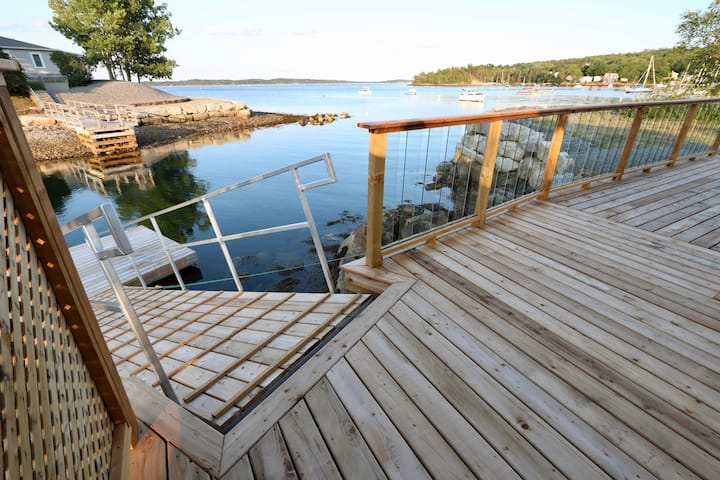 Oceanfront Oasis in Halifax with Boathouse & Park