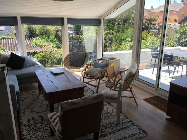 Maison avec jardin et terrasse lumineuse et calme