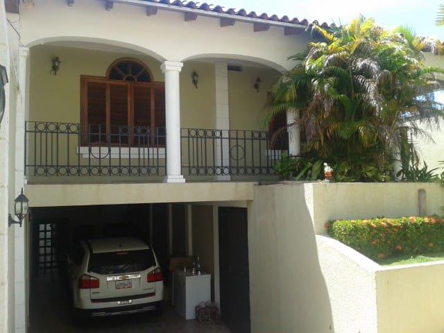 Casa/Habitac Puerto Ordaz (pernocta Canaima)