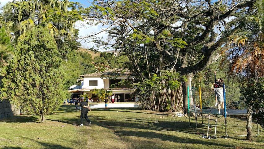Linda Casa   Nogueira-Itaipava/ hóspedes e Eventos